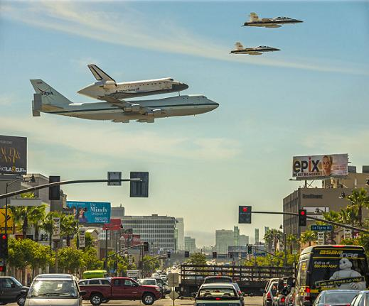 SPACE SHUTTLE 'ENDEAVOUR'