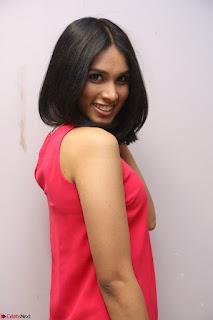 Spatika Surapaneni in Red Tight Dress at FBB Miss India 2017 finalists at Telangana auditions Feb 2017 (43).JPG