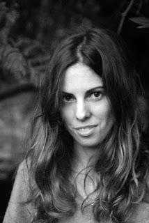 Claudia Alvarado, autora de Ediciones Atlantis