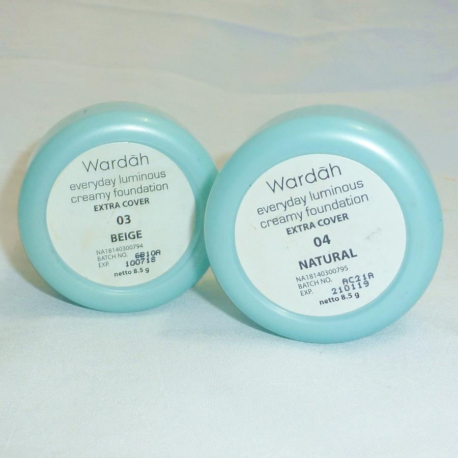 Review Wardah Everyday Luminous Creamy Foundation Extra Cover In Warda Two Way Cake Packaging Cream Dari Ini Ada Kardusnya Ya Seperti Foto Di Atas Itu Setelah Dibuka Diaa Bentuknya Bulat Gitu