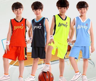 Mẹo mua bộ bóng rổ trẻ em an toàn, thoáng mát, không gây kích ứng cho trẻ 1