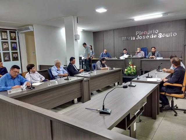 Em Cuité, Câmara derruba veto de Charles a PL que auxilia doação de sangue