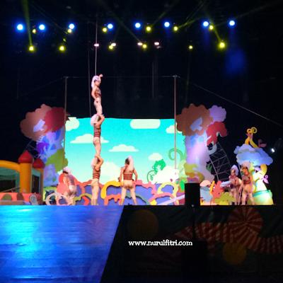 pertunjukan sirkus dreamland di trans studio bandung
