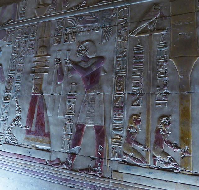 bassorilievi nel tempio di abydos