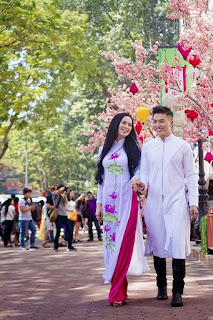 Traditional Ao Dai for Tet 3