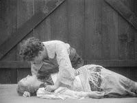 "Кадр из фильма Чарли Чаплина ""Пародия на Кармен"" / Burlesque on Carmen (1916) - 28"