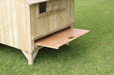 Removable Dirt Tray for Hen Houses