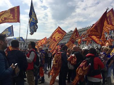 April 25 - Piazza San Marco2 - Photo: Cat Bauer