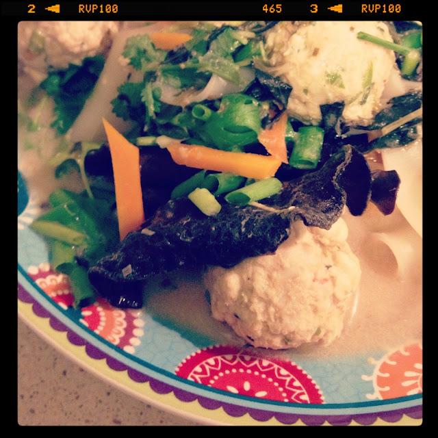 Sweet Kwisine, soupe, thailandaise, poisson, boulette, coriandre, citronnelle, basilic