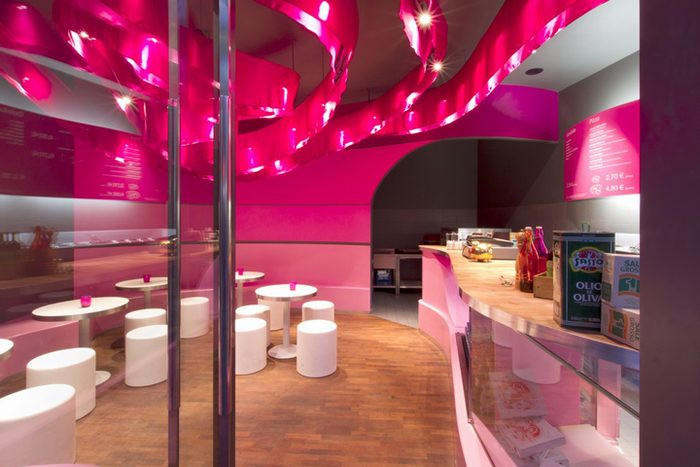 thiết kế nhà hàng vui nhộn trẻ chung giới trẻ