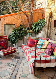 sofa bed, metal sofa bed,  sofas, outdoor furniture, veranda garden decoration, veranda garden furniture, cheap furniture romantic style, traditional style, villas hotels, hotel furniture, decoration ideas, decorative pillows,