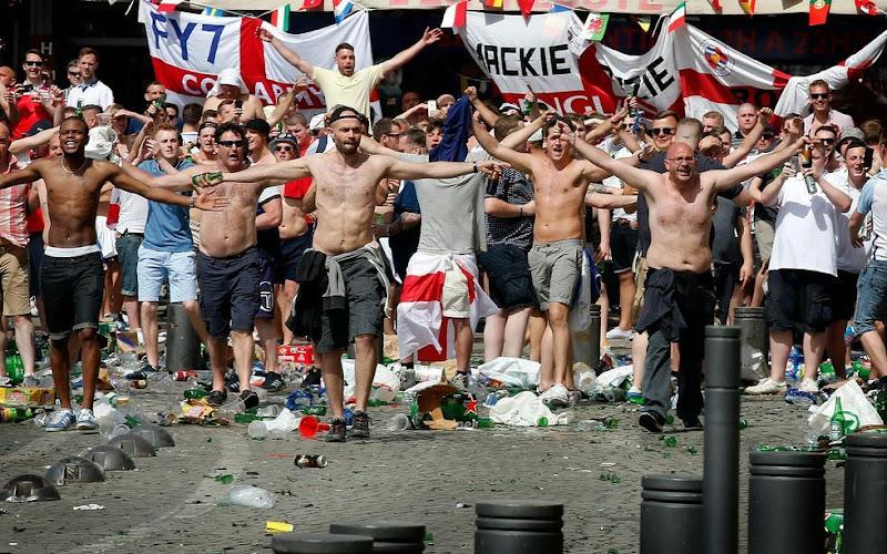 Un supporter Anglais entre la vie et la mort à Marseille.