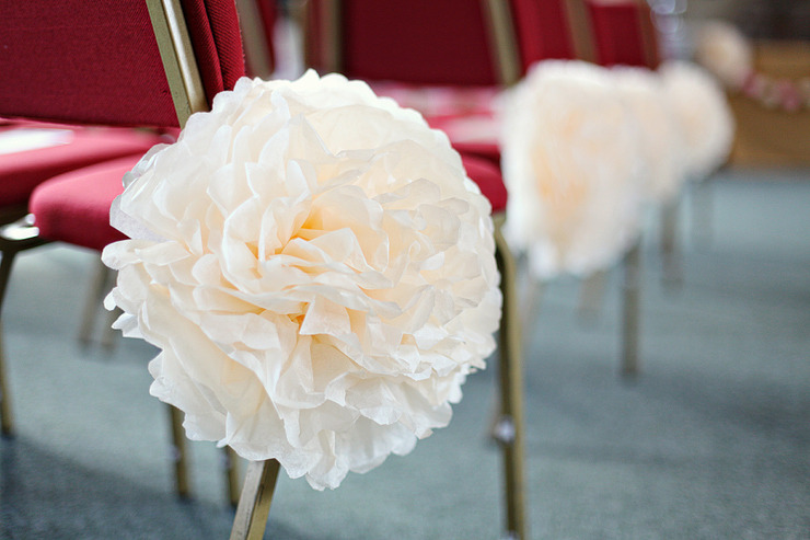 Rosely Pignataro  Decorando com pompons de papel de seda ou crepom a7b4f35e689