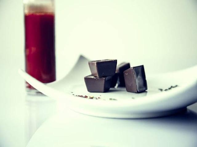¿Por qué al chocolate le salen manchas blancas?