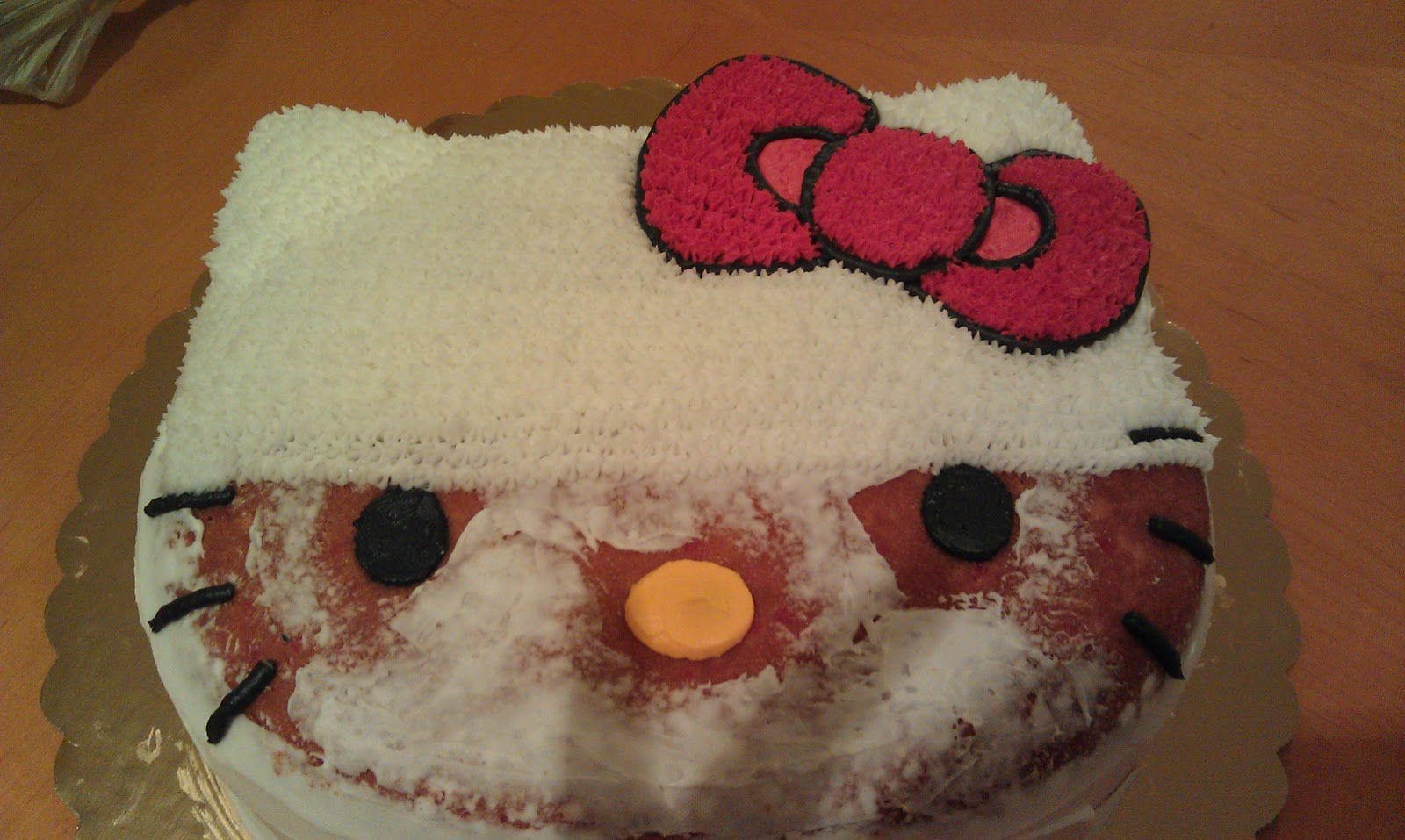 Mia S Pieces Hello Kitty And Mickey Mouse Clubhouse Cakes