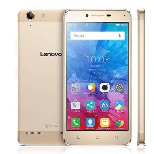 O Lenovo Vibe K5 se destaca por conta do corpo construído em metal, característica que confere uma boa pegada ao aparelho.