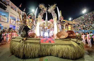 Mangueira é a campeã do carnaval 2019 do Rio de Janeiro; Escola recontou a história do Brasil a partir de heróis negros e índios
