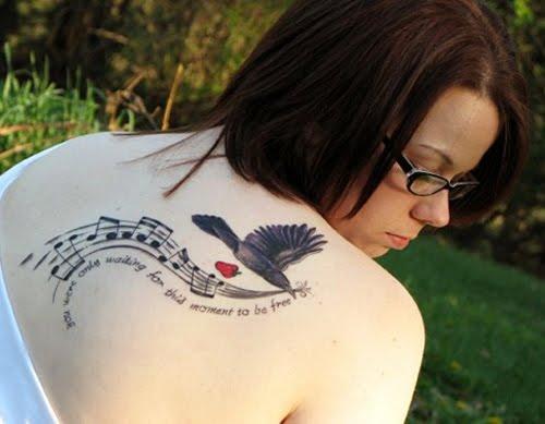 Musical de aves desenho de tatuagem para as mulheres