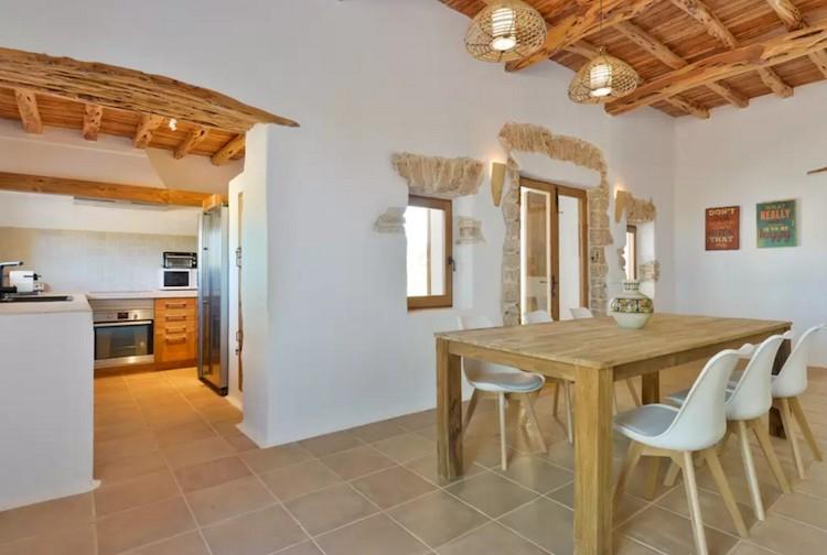 casa vacaciones Ibiza salón y cocina