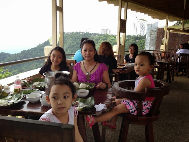 Lunch at RMS Restaurant, Tagaytay City