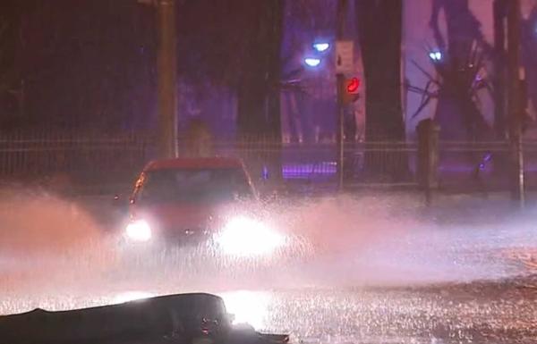 Chuvas e ventos de mais de 100 km/h causam estragos no Rio Grande do Sul