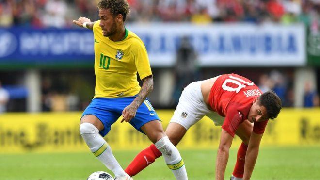 Neymar ya kamo Romario a cin kwallaye a Brazil