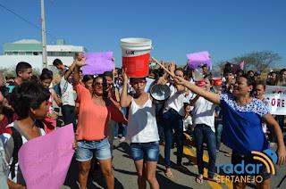 Estudantes fazem reivindicação por água em São José de Piranhas