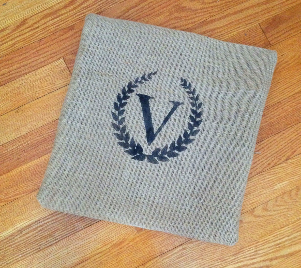 Projects, vinyl, wasting, 1 cut, pillow case, burlap