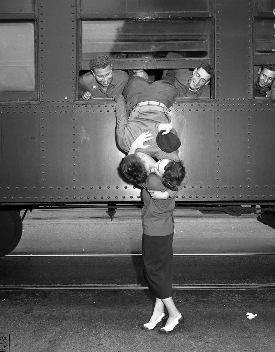 60 + 1 Heart-Warming Historical Pictures That Illustrate Love During War - Korean War Goodbye Kiss, Los Angeles, Sept. 6, 1950