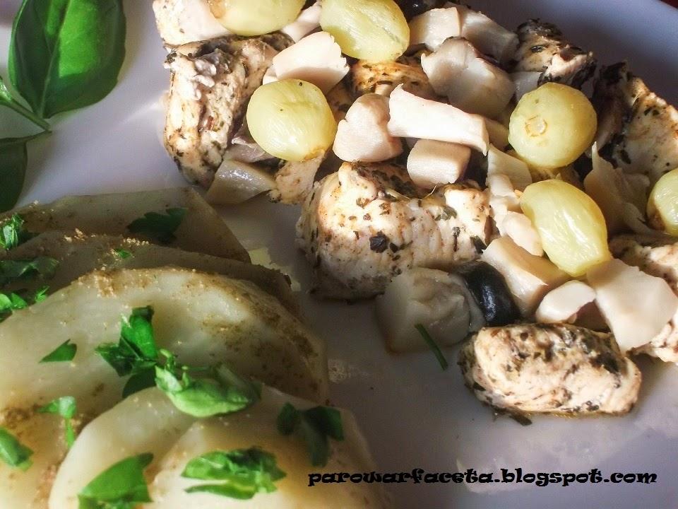 kurczak z grzybami i winogronami z parowaru