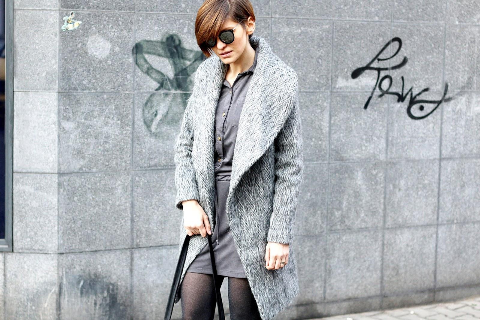 adidas superstar, stylizacja, szary płaszcz, wełniany płaszcz, casual, street style, stylistka poznan, blogerstyle, adidasy do płaszcza,