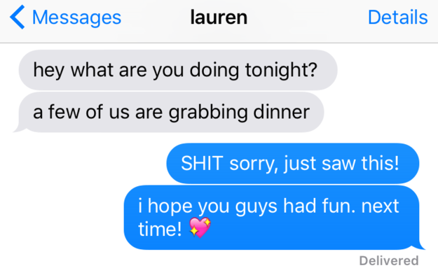 21 Insanely Useful Skills Every Introvert Has Mastered - Seeing texts at the most convenient time.