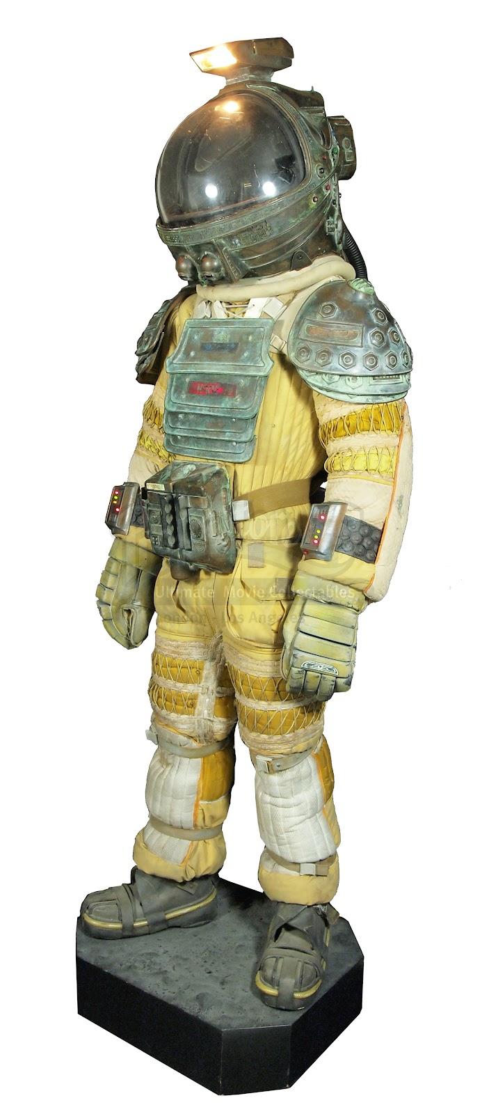 dallas alien 1979 space suit - photo #21