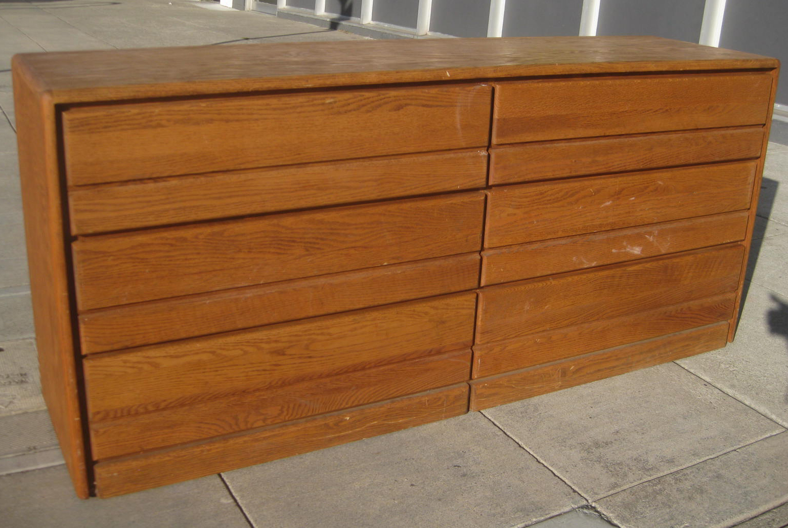 uhuru furniture collectibles sold oak veneer dresser. Black Bedroom Furniture Sets. Home Design Ideas