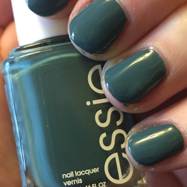 Beautifying the Broken Ankle, my broken ankle journey, breaking your ankle, Essie Pool Side Service, manicure, nails, nail polish, nail lacquer, nail varnish