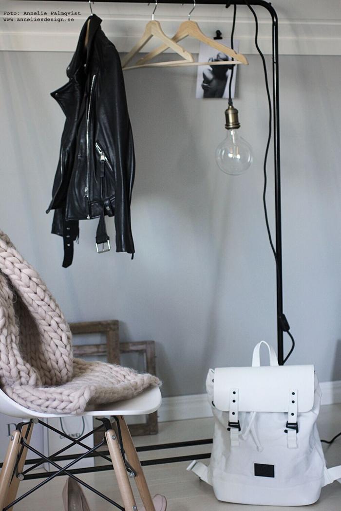annelies design, gaston luga, väska, väskor, ryggsäck, klädställning, styling, inredning, modell, modellbilder, modellfoto, clips, lampa, chunky pläd, webbutik, webbutiker, webshop,nätbutik, irnedningsbutik, varberg,
