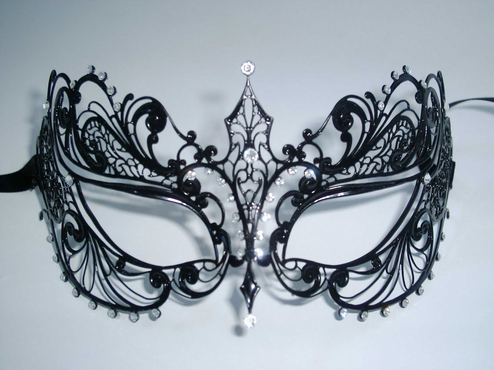Berenice venetian masquerade mask for Masquerade ball masks templates