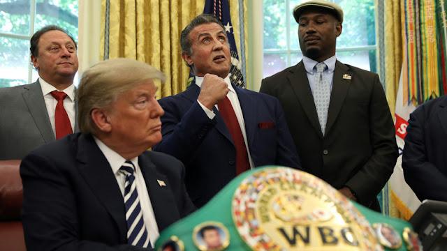 ¿Asesorado por Stallone?: Trump indulta al boxeador en quien se basó el Apollo Creed de 'Rocky'