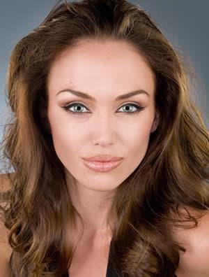 Angelina Jolie Hair Colour