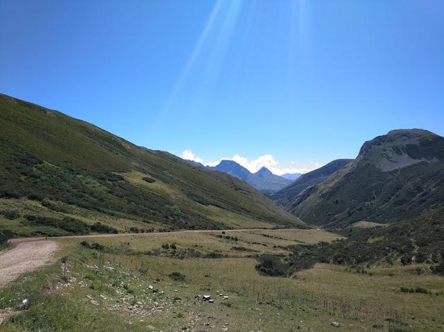 Vista del Valle de Sañedo desde el Alto de la Farrapona