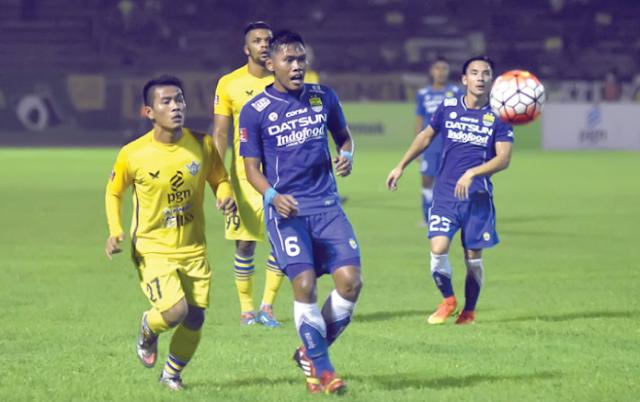 Gresik United vs Persib Bandung