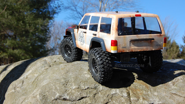 Traxxas TRX-4 rock crawling pictures