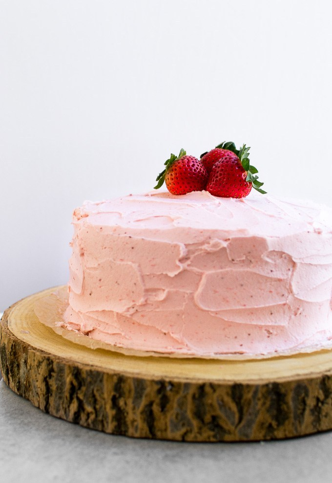 Strawberry Cake {From Scratch} #cakerecipes