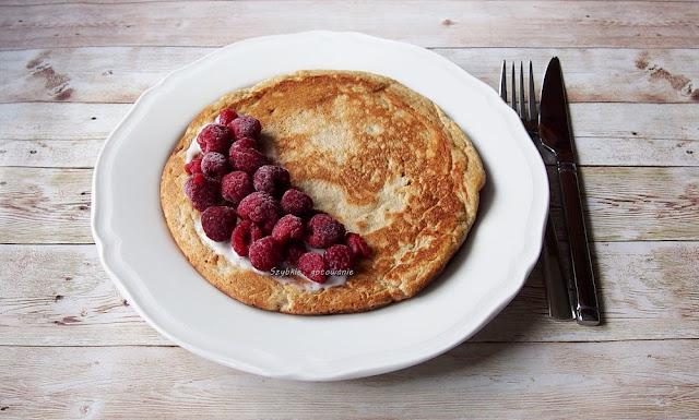 Pełnoziarnisty omlet z niskim IG, bez cukru i proszku do pieczenia