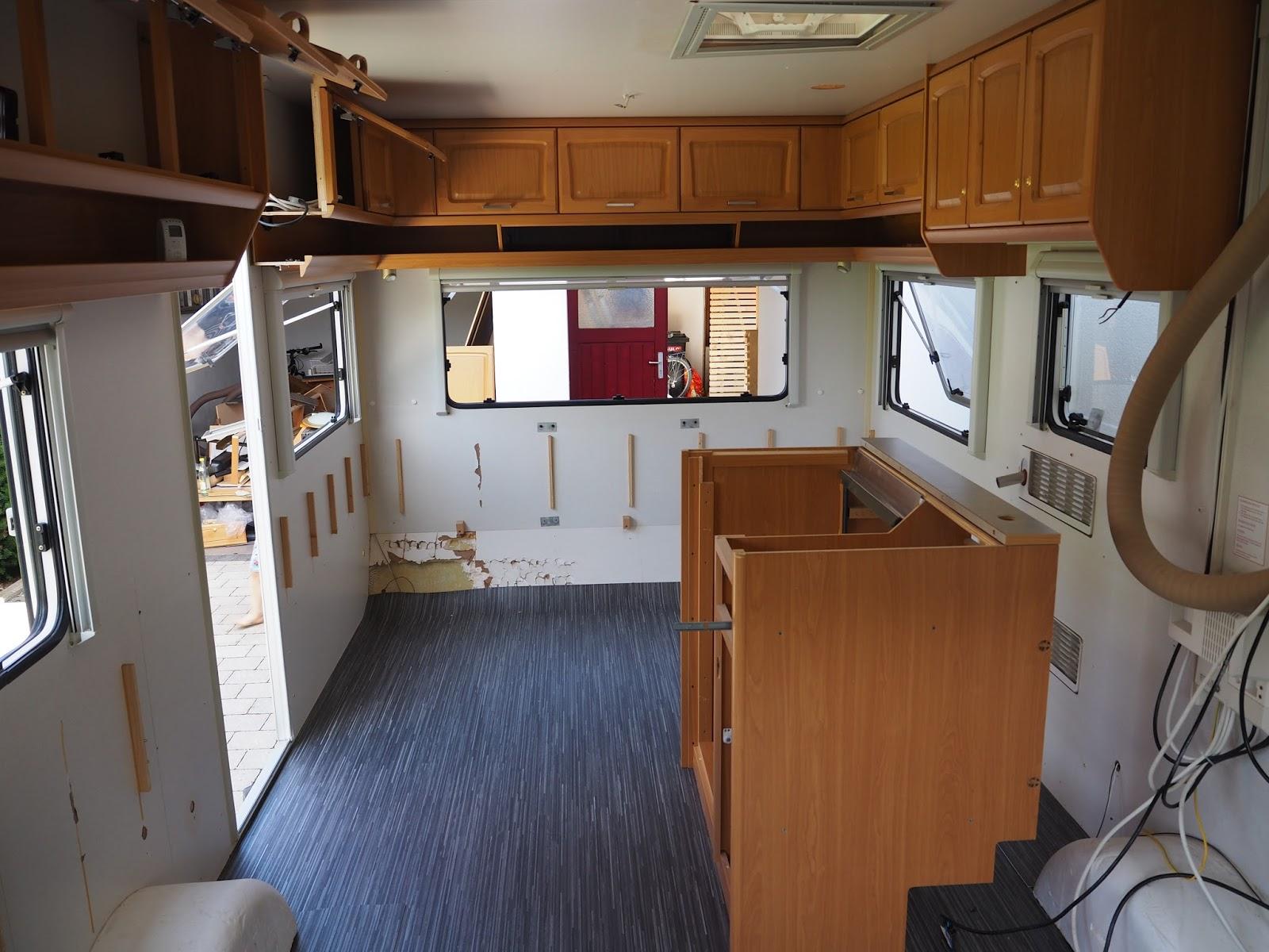 caroku wohnwagen renovieren teil 2. Black Bedroom Furniture Sets. Home Design Ideas