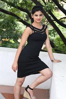 Selfie raja heroine Kamna Ranawat Pictures 036.jpg