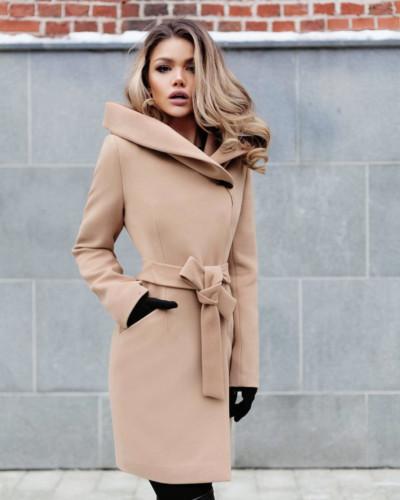 Palton bej gros de iarna elegant foarte ieftin la moda
