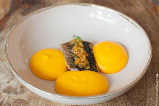 Caballa espuma zanahoria menu degustación Medusa