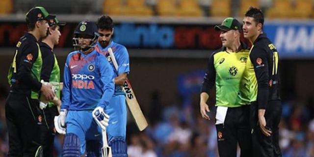 T-20: राहुल और कुणाल पर उठ रहीं हैं उंगलियां, पहली हार के बाद हालात तनावपूर्ण | SPORTS NEWS