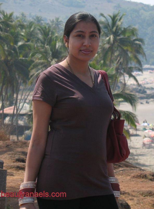 Mallu Masala Boobs Hot Desi Aunty Wallpaper-3873